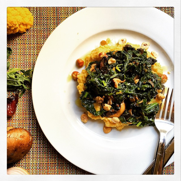 Fauxlenta grain free creamy polenta with mushrooms kale for Creamy polenta with mushrooms and collards